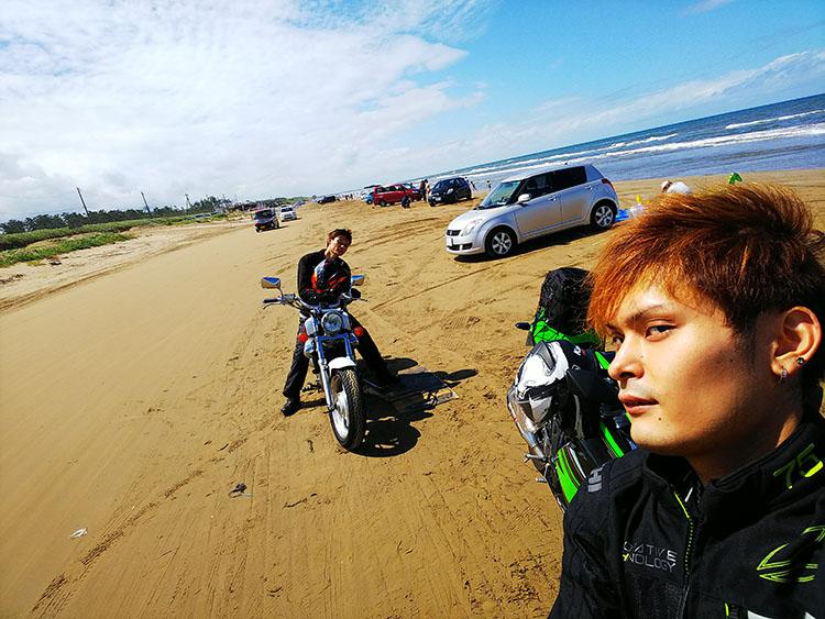 兄弟でバイク2台 千里浜なぎさドライブウェイ