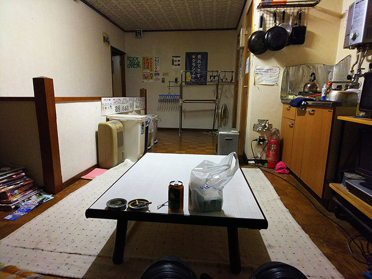 RIDER HOUSE CAFE Pit 共有エリア